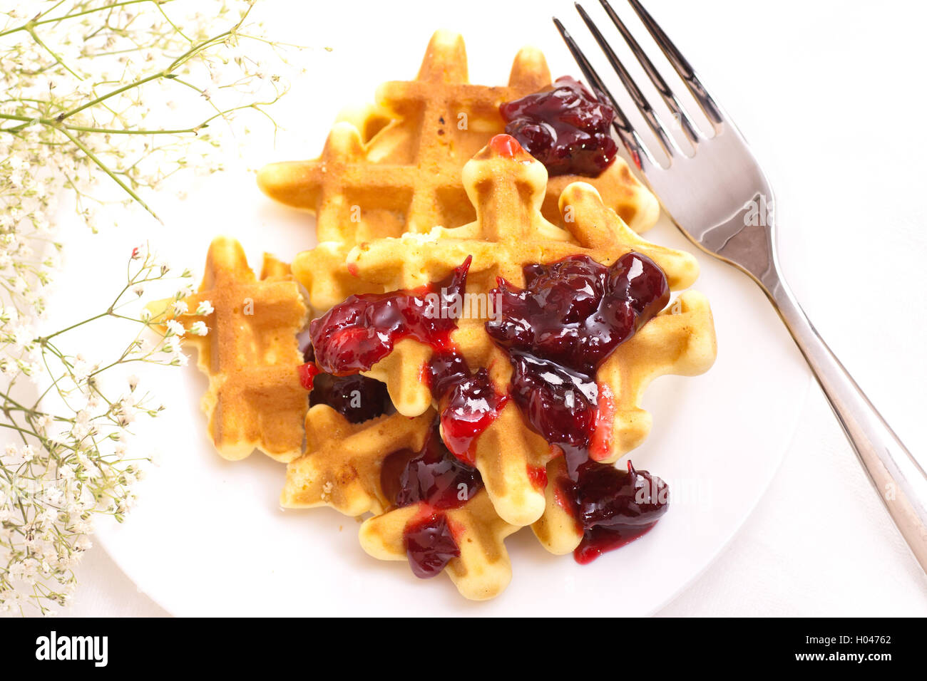 Wafers on plate with confiture - Stock Image