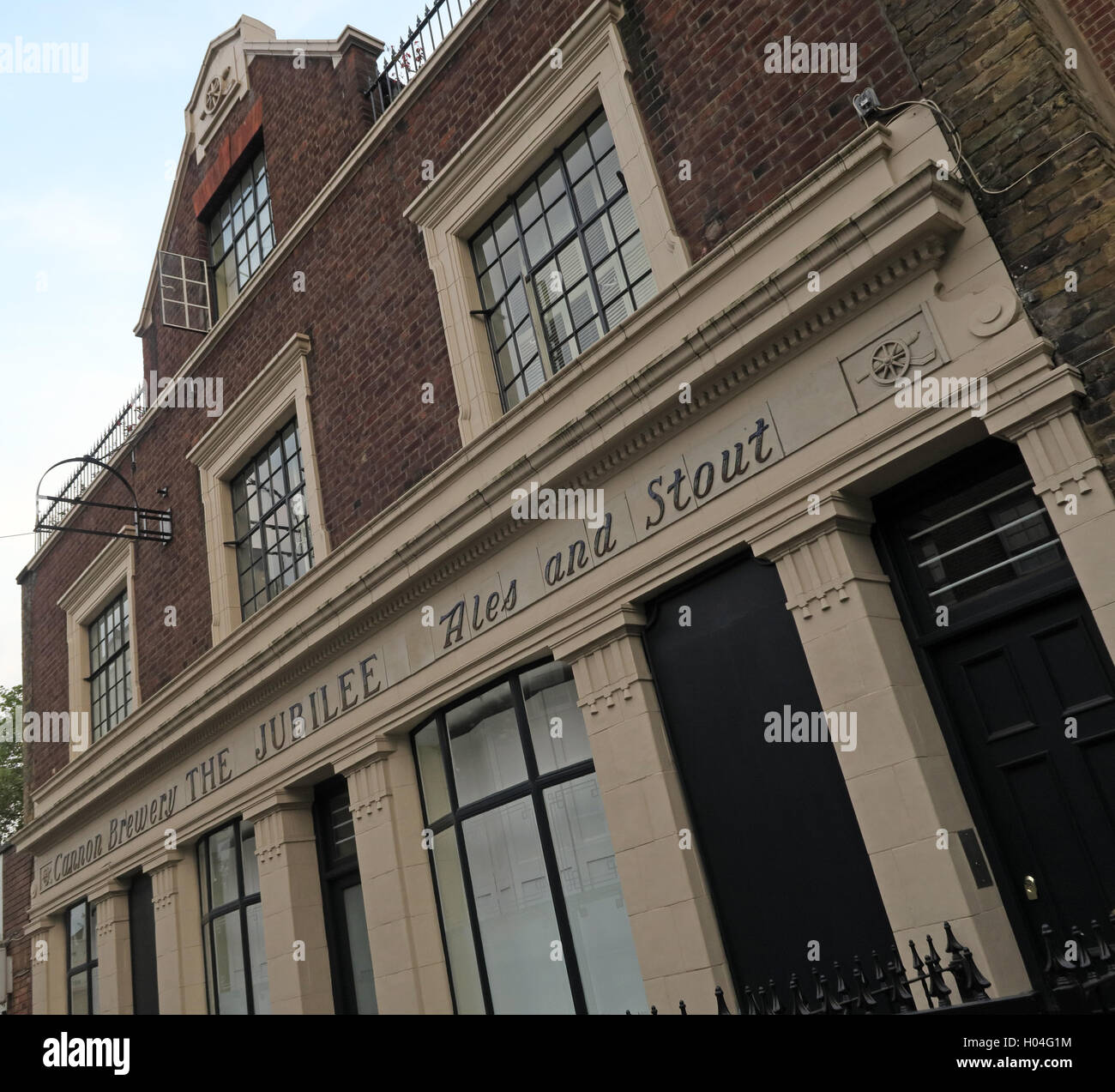 The Jubilee Pub, Ales & Stout building, Somers Town, Euston,Camden, London Stock Photo