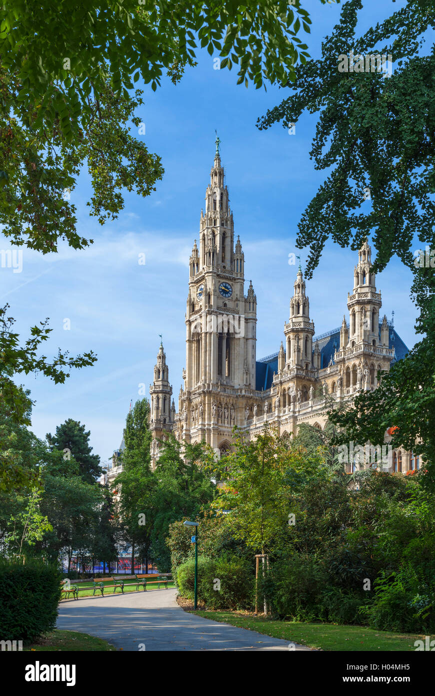Vienna, Austria. The Neues Rathaus (New Town Hall) from Rathaus Park - Stock Image