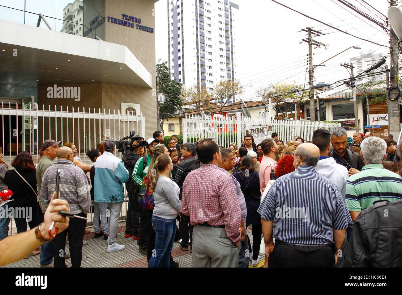 SÃO PAULO, SP - 17.09.2016: VELÓRIO DO ATOR DOMINGOS MONTAGNER - Family and friends of the actor Domingos - Stock Image