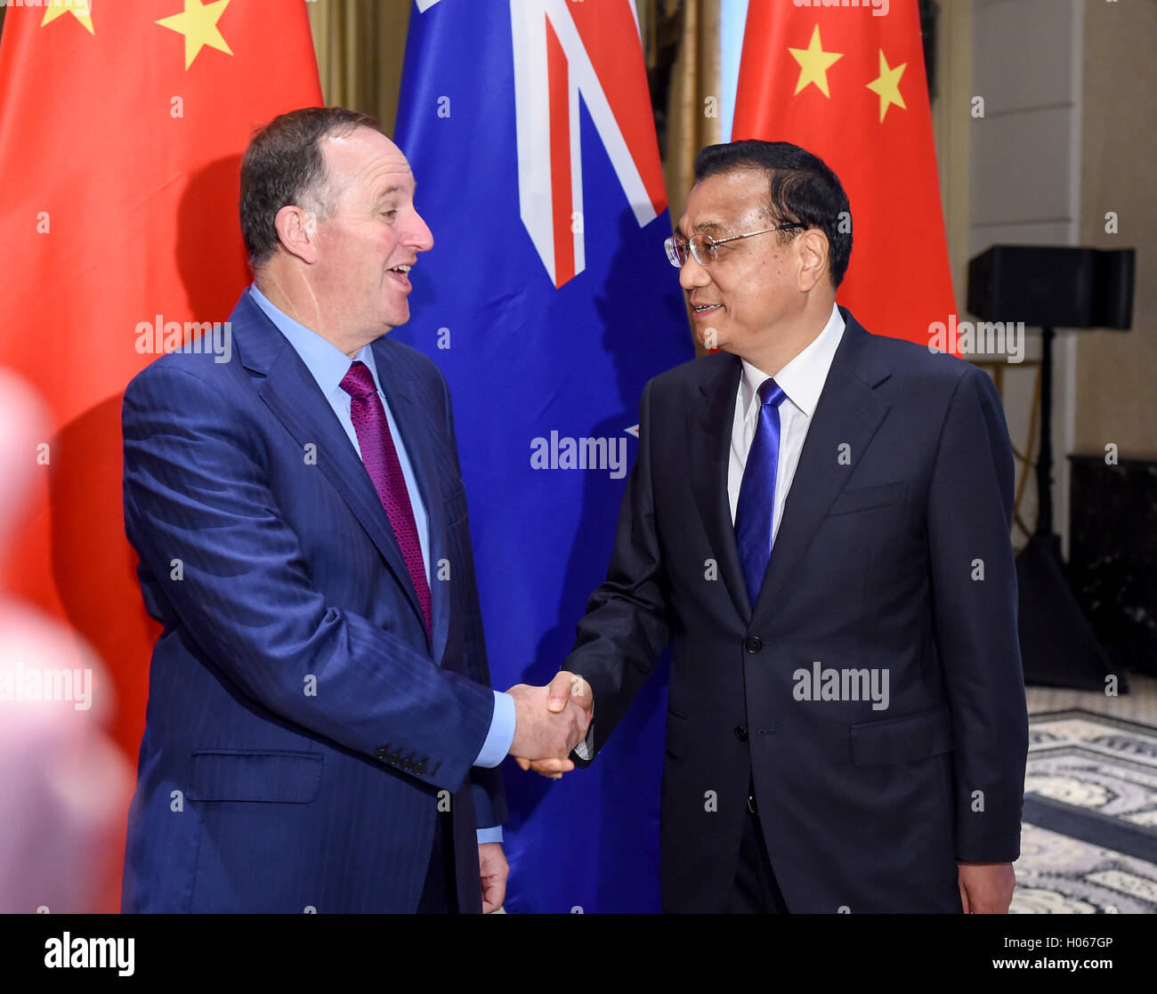 New York, USA. 19th Sep, 2016. Chinese Premier Li Keqiang (R) meets with his New Zealand counterpart John Key in Stock Photo