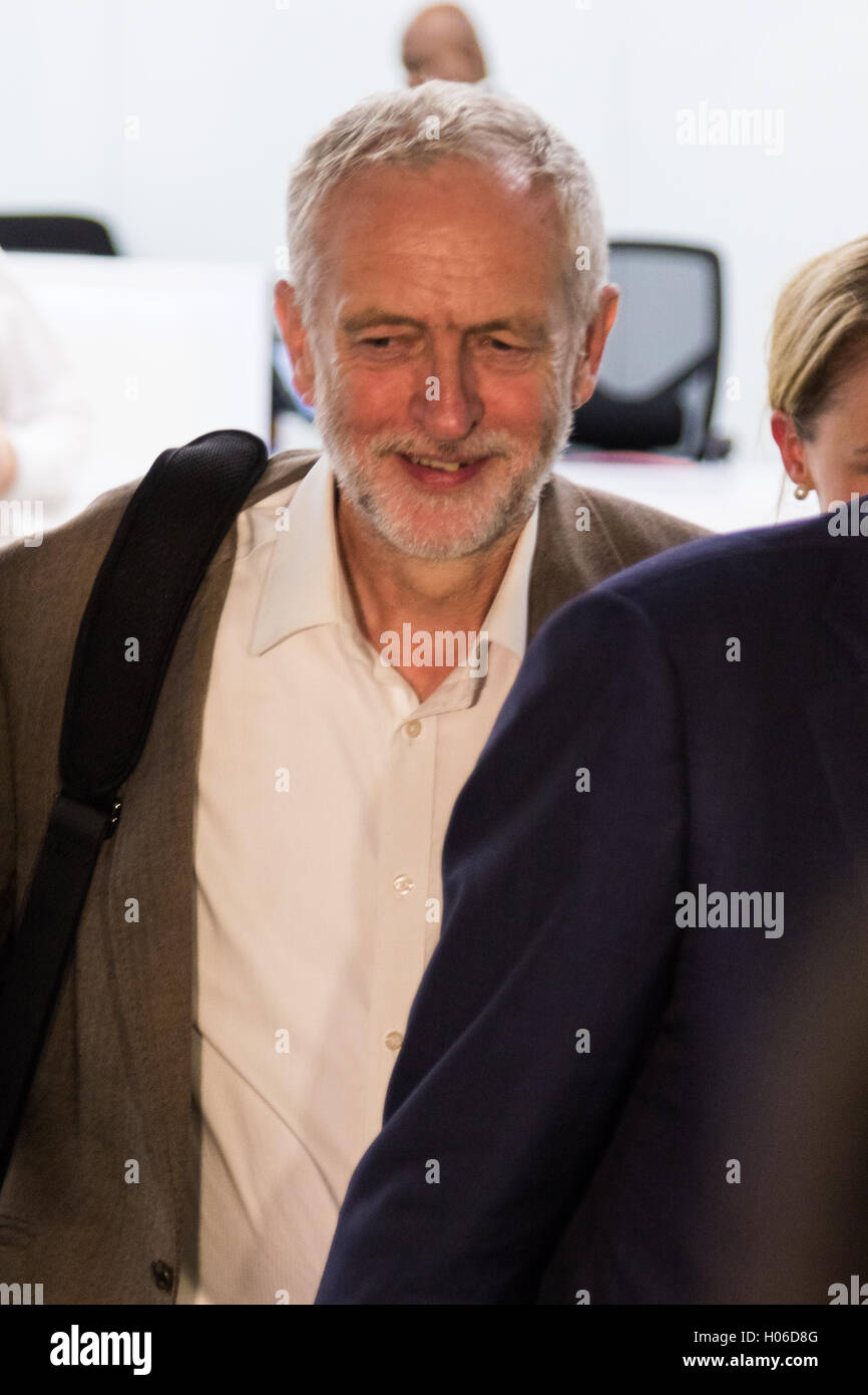 Westminster, London. 20th Sep, 2016. Labour Leader Jeremy Corbyn leaves the Labour Party Headquarters following - Stock Image