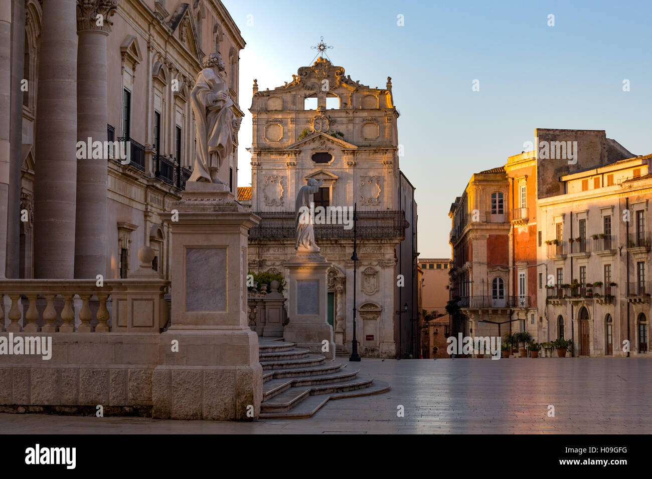 The Cathedral and Piazza Duomo in early morning on the tiny island of Ortygia, UNESCO, Syracuse, Sicily, Italy Stock Photo