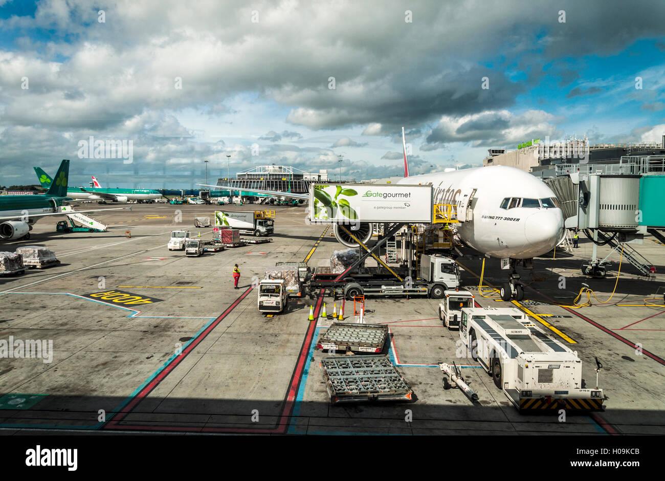 Aircraft Catering Stock Photos & Aircraft Catering Stock Images - Alamy