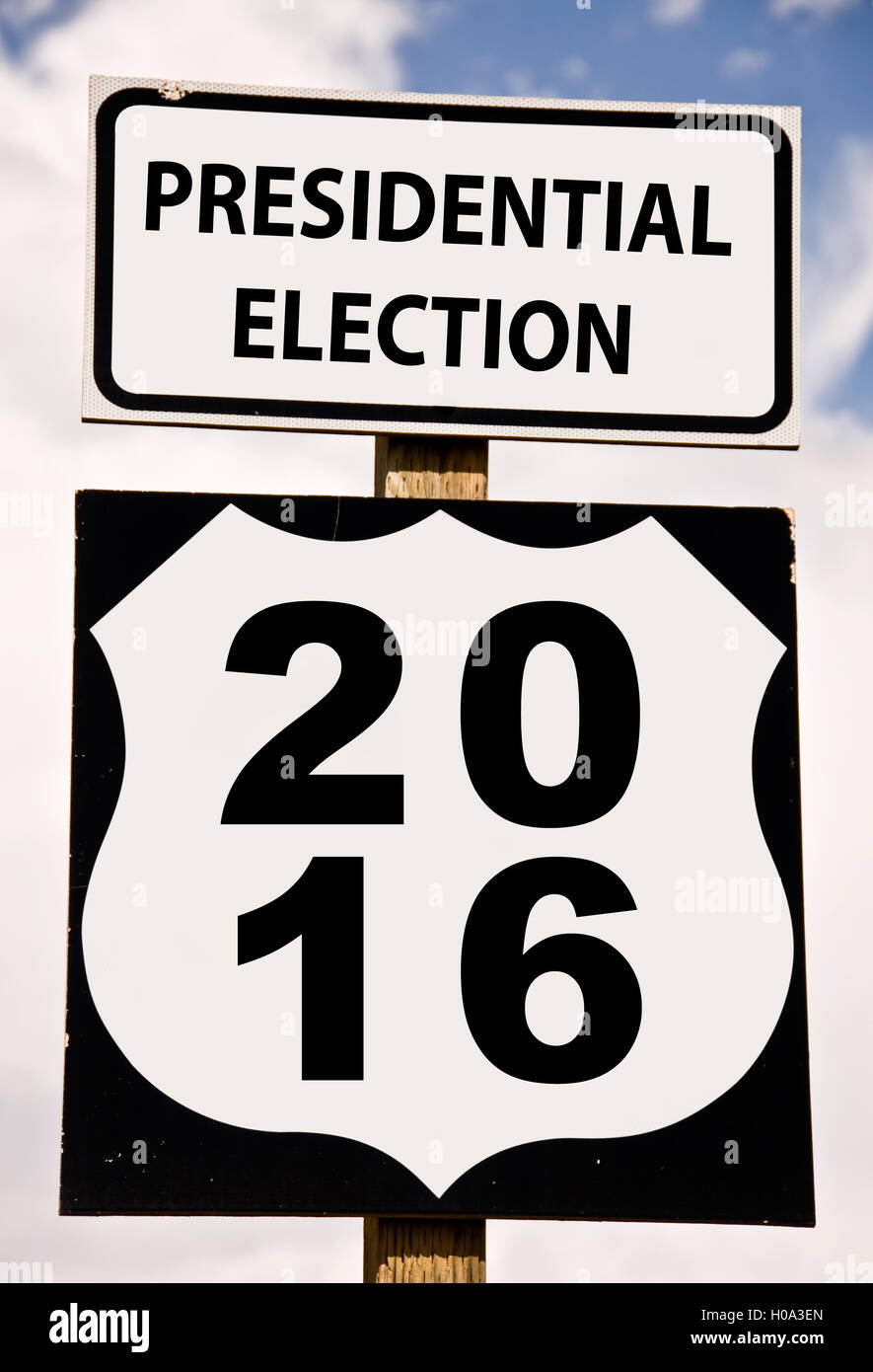 Presidential election 2016 written on american roadsign - Stock Image