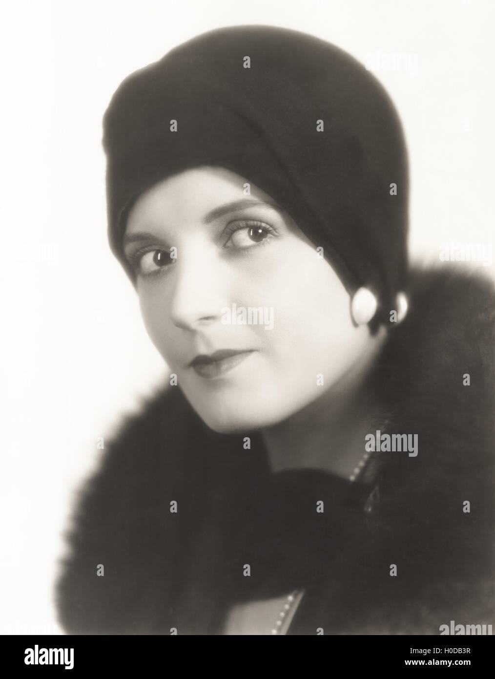 Portrait of woman in cloche hat - Stock Image