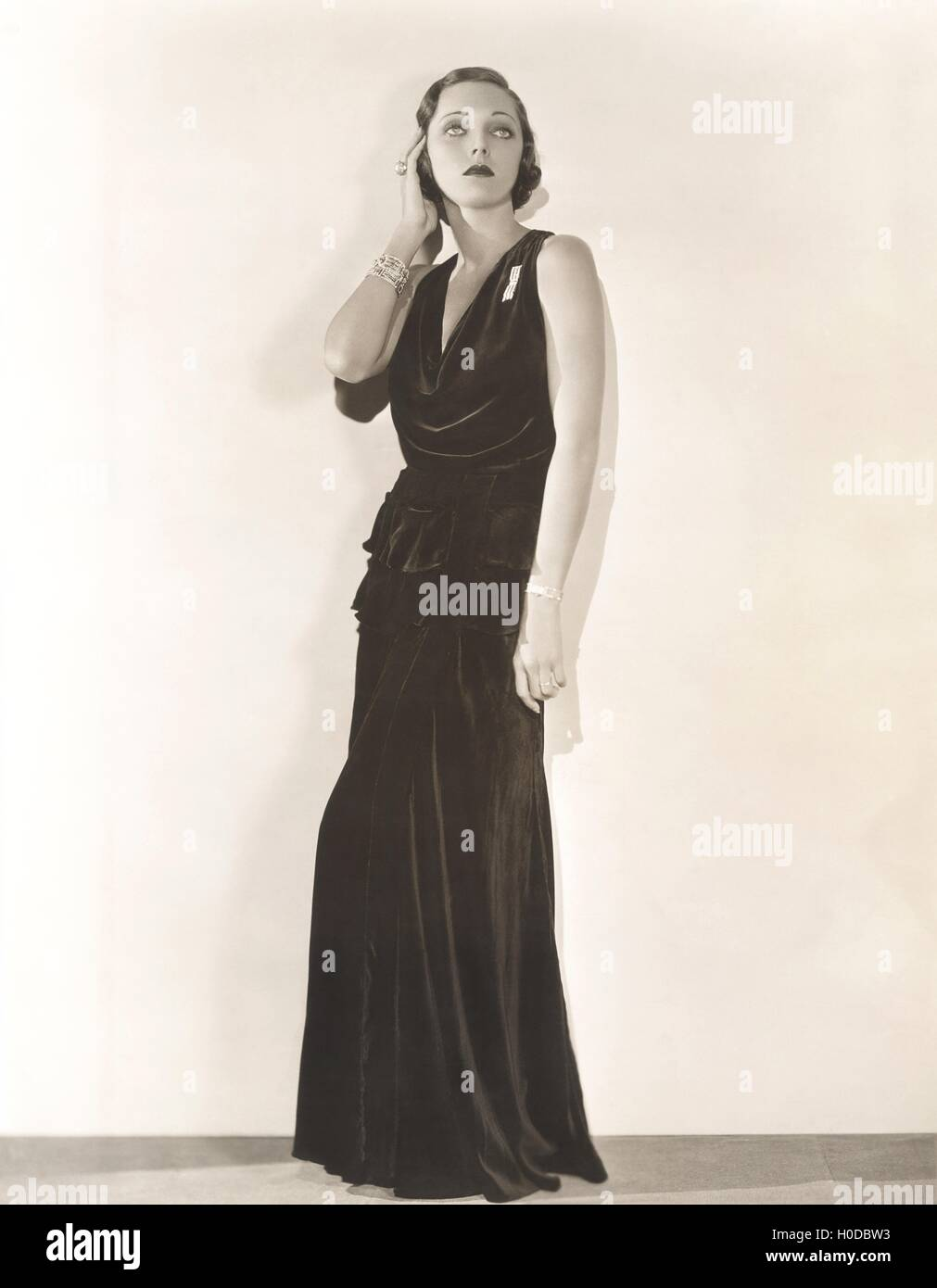 1910s 1940s, Gown Stock Photos & 1910s 1940s, Gown Stock Images - Alamy