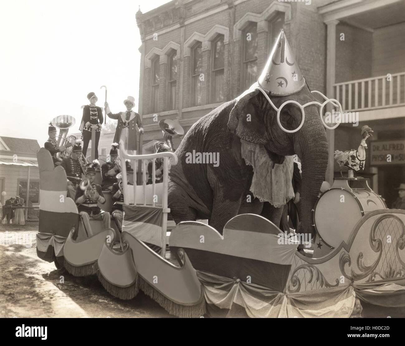 Elephant float - Stock Image