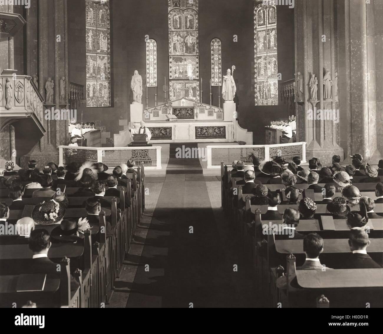 Parishioners attending mass - Stock Image