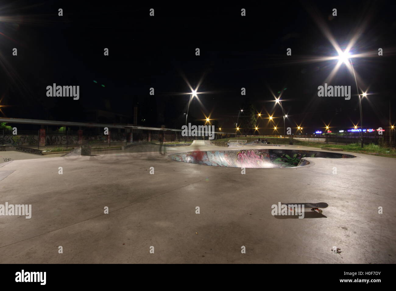 a Rome skateboard park by night, skateboarding, skateboard, skatepark - Stock Image