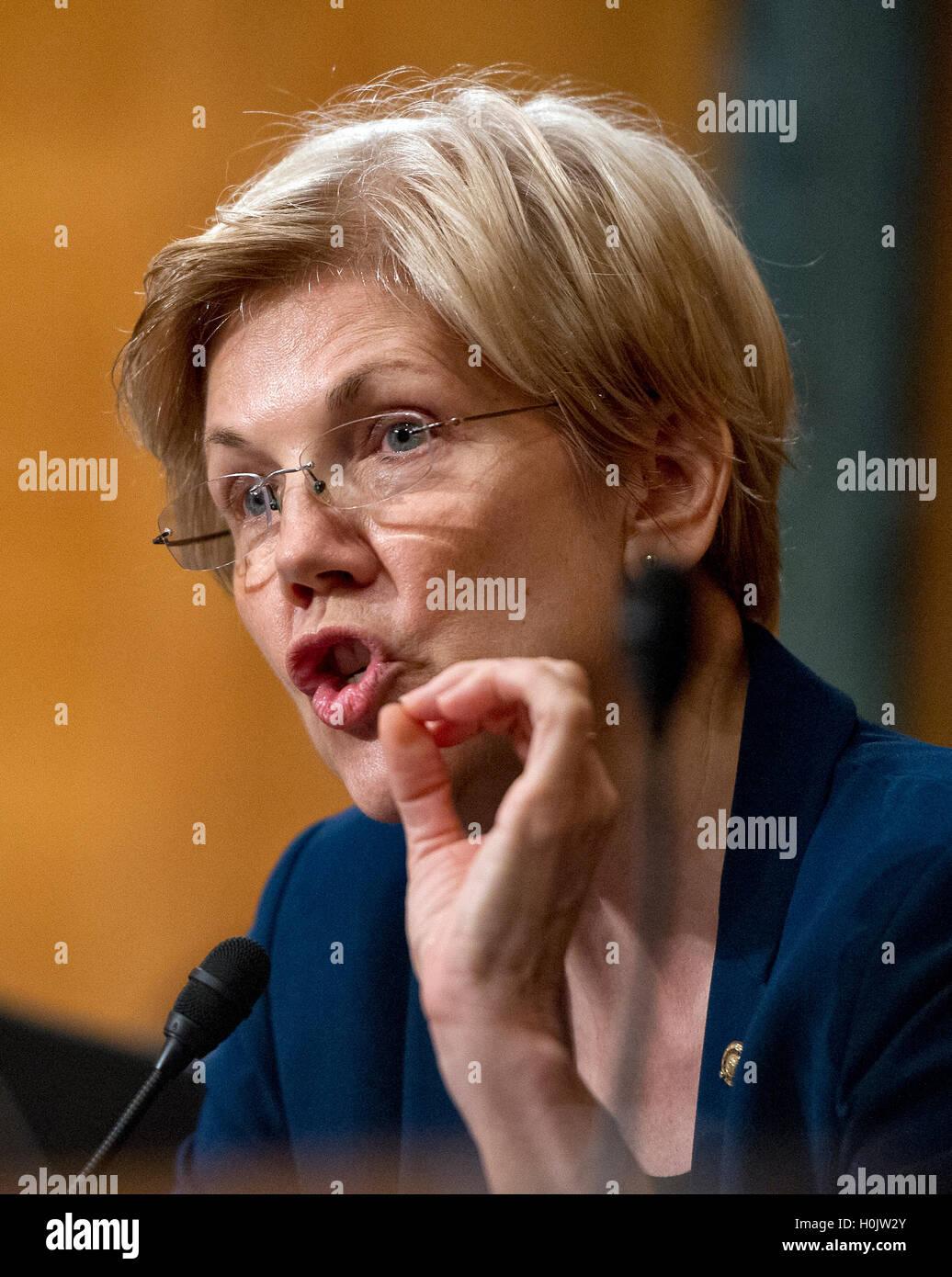 Washington, Us. 20th Sep, 2016. United States Senator Elizabeth Warren (Democrat of Massachusetts) questions John Stock Photo