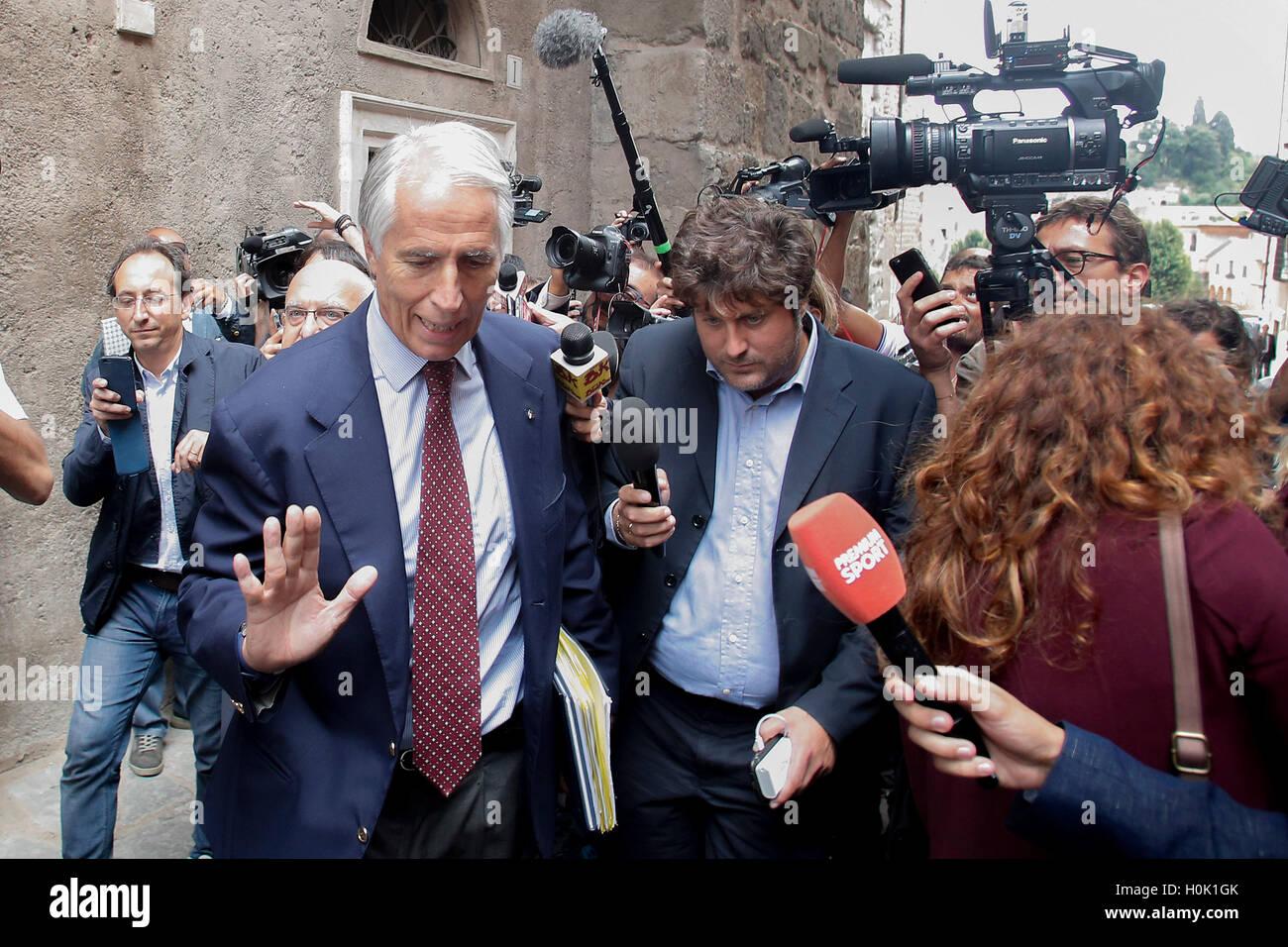 Roma, Italia. 21st Sep, 2016. President of CONI Giovanni Malago' leaves Campidoglio after waiting the Mayor - Stock Image