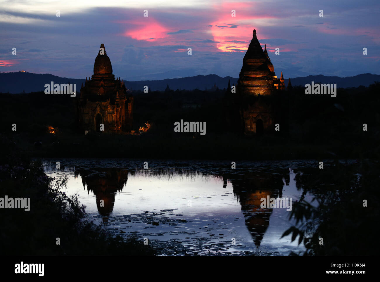 (160922) -- BAGAN (MYANMAR), Sept. 22, 2016 (Xinhua) -- Pagodas are seen in the ancient city of Bagan, Myanmar, - Stock Image