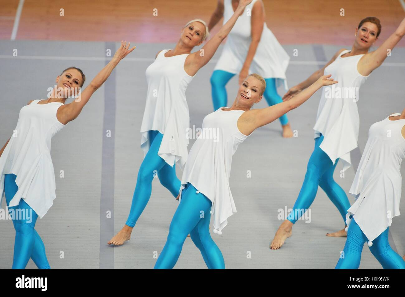 Qingdao, Qingdao, China. 22nd Sep, 2016. Qingdao, CHINA-September 22 2016: (EDITORIAL USE ONLY. CHINA OUT) Aerobics Stock Photo