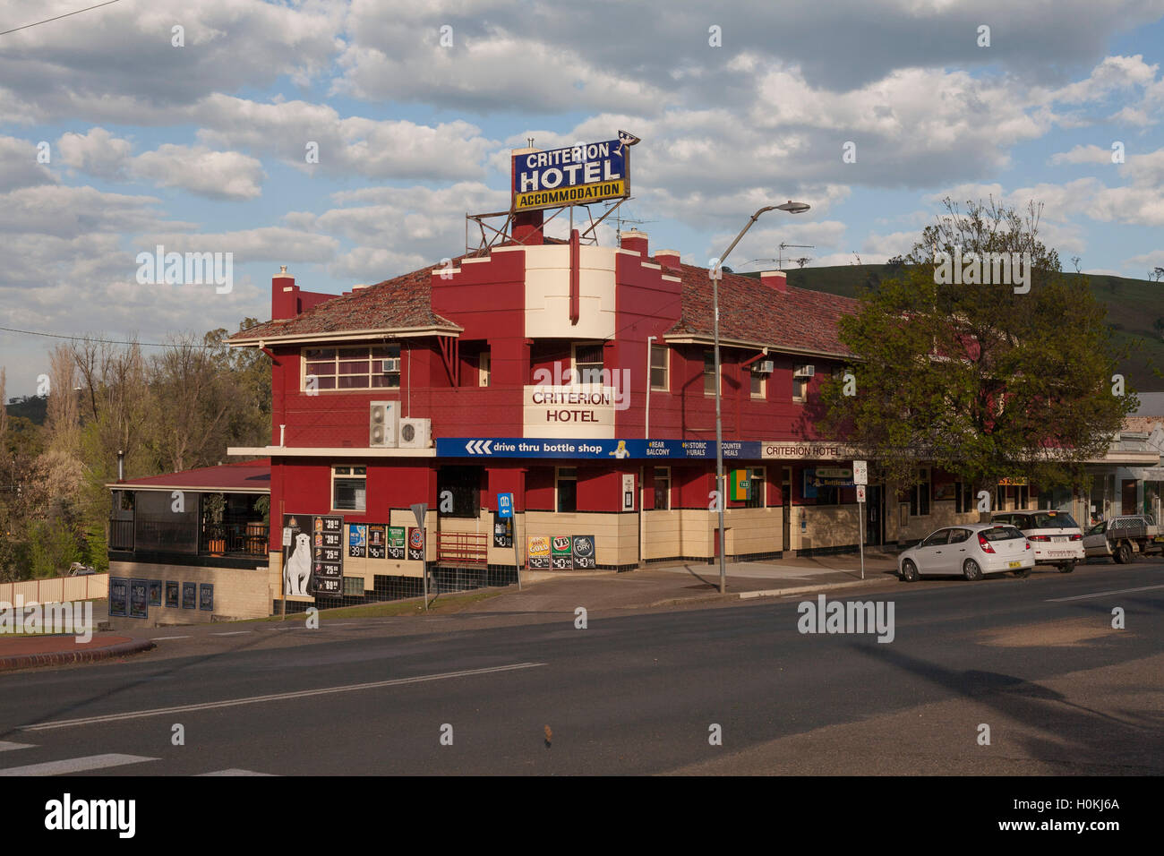The historic art deco architectural style of the Criterion Hotel Sheridan Street Gundagai New South Wales Australia. - Stock Image