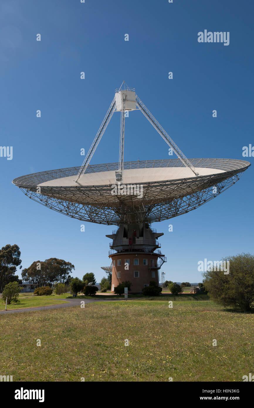 CSIRO's Parkes radio telescope is a 64-m diameter parabolic dish used for radio astronomy  NSW Australia Stock Photo