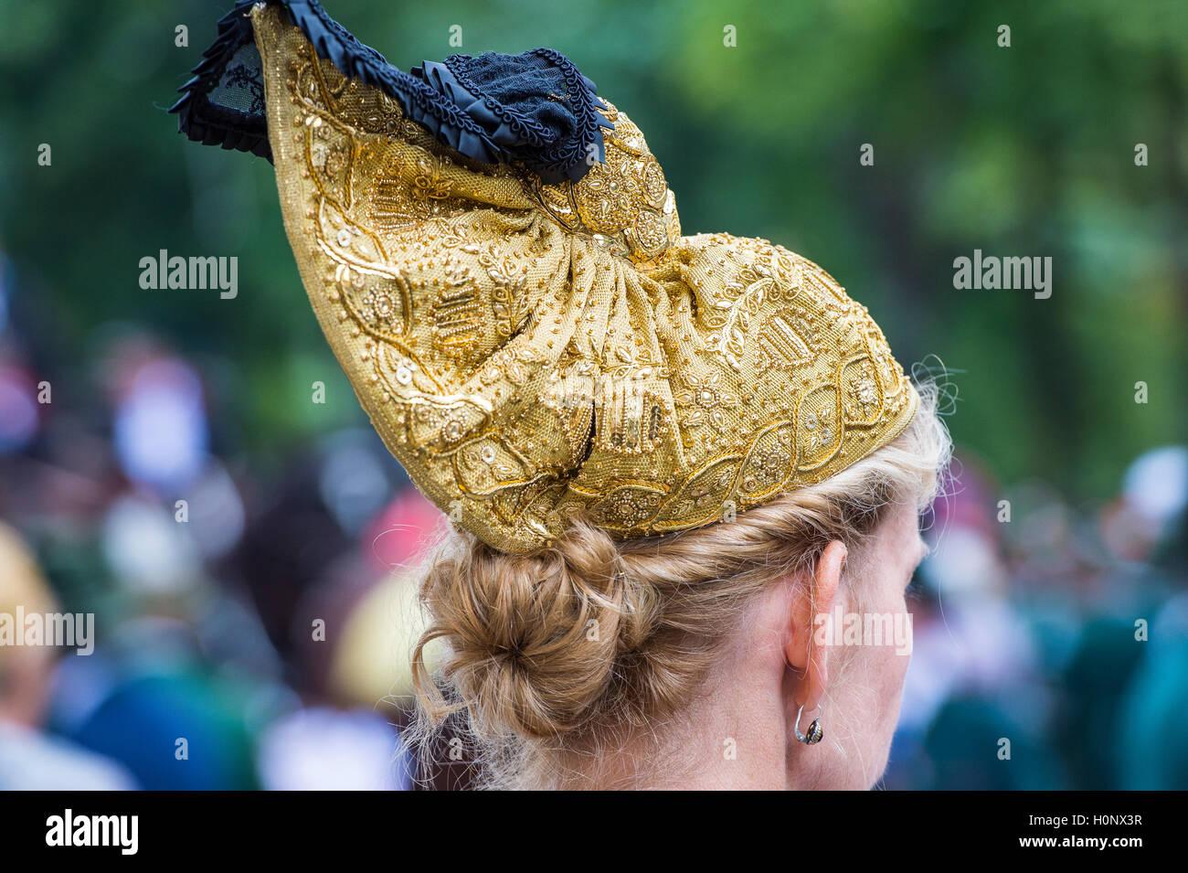 Headwear, golden cap, female costume, Oktoberfest, Munich, Upper Bavaria, Bavaria, Germany - Stock Image