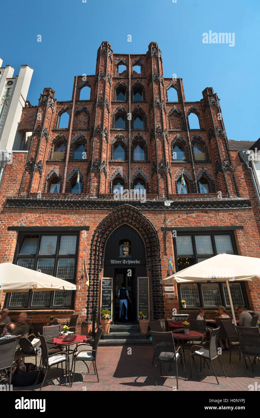 Restaurant Alter Schwede, oldest Wismar town house from 1380, Am Markt, Wismar, Mecklenburg-Western Pomerania, Germany - Stock Image