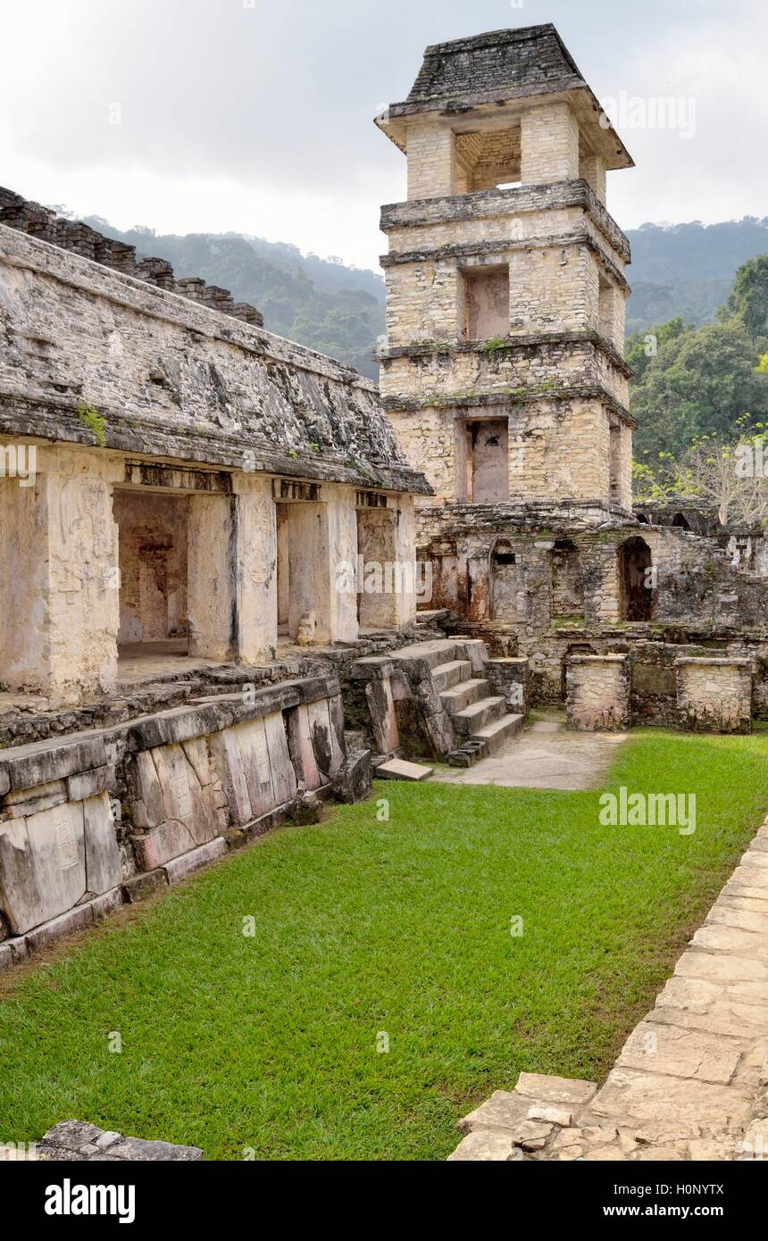 Patio de los Guerreros with tower, Mayan ruins of Palenque, Chiapas, Mexico Stock Photo