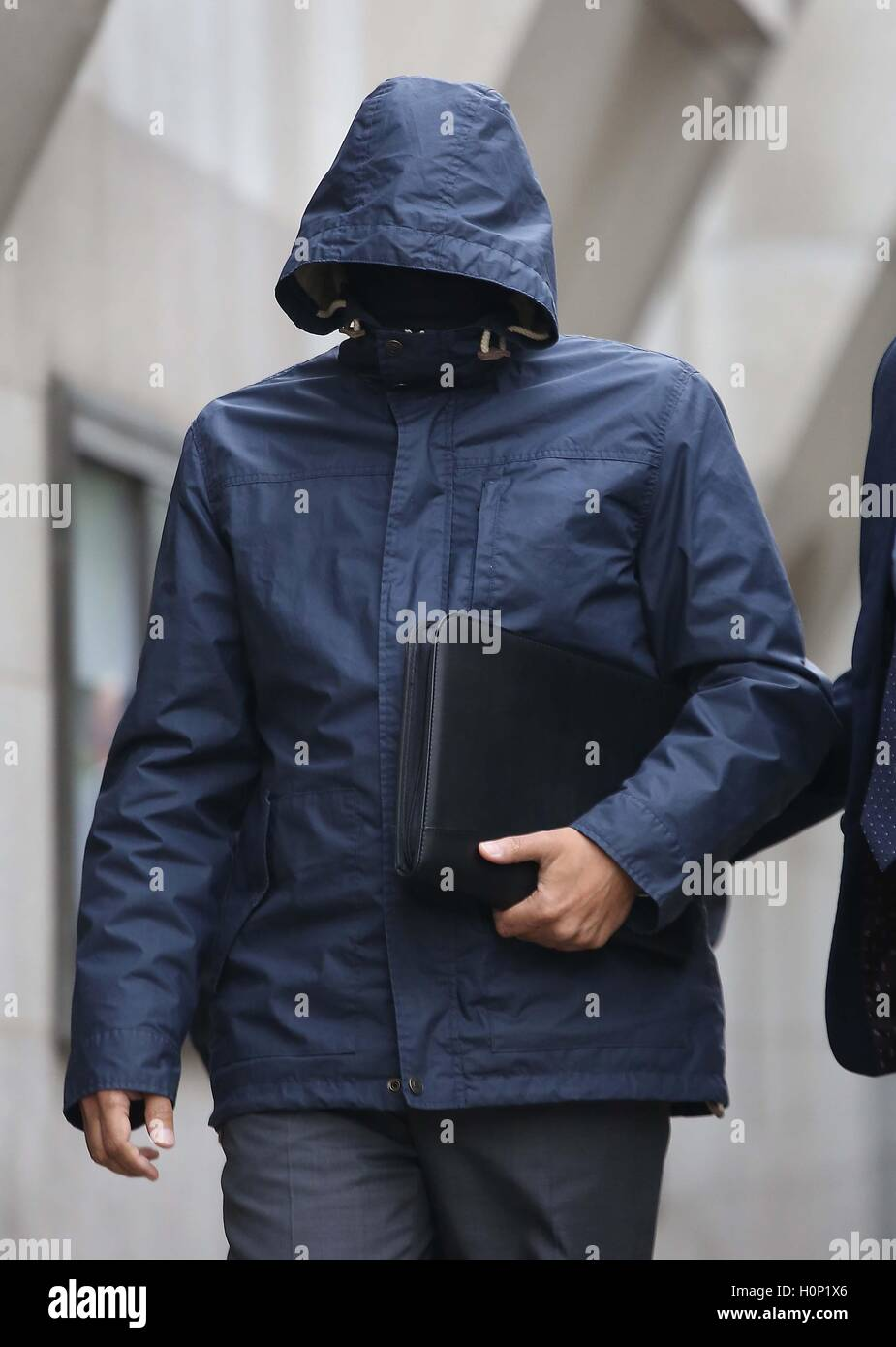 """Undercover journalist Mazher Mahmood, who was known as the """"Fake Sheikh"""", arrives at the Old Bailey - Stock Image"""