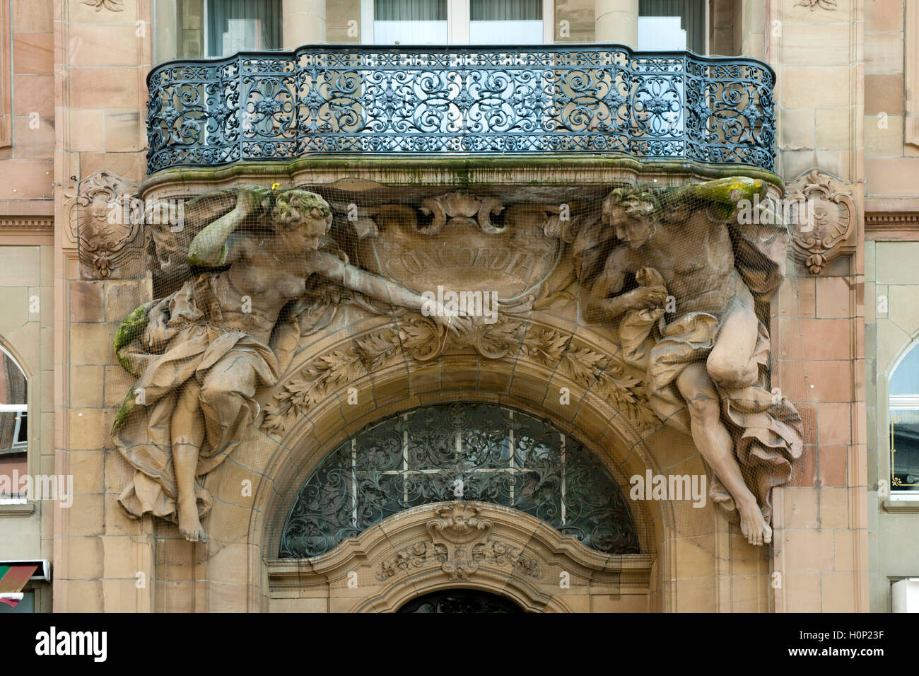 Deutschland, Nordrhein-Westfalen, Wuppertal-Barmen, Johannes-Rau-Platz, Gesellschaftshaus Concordia, Eingangsportal. - Stock Image