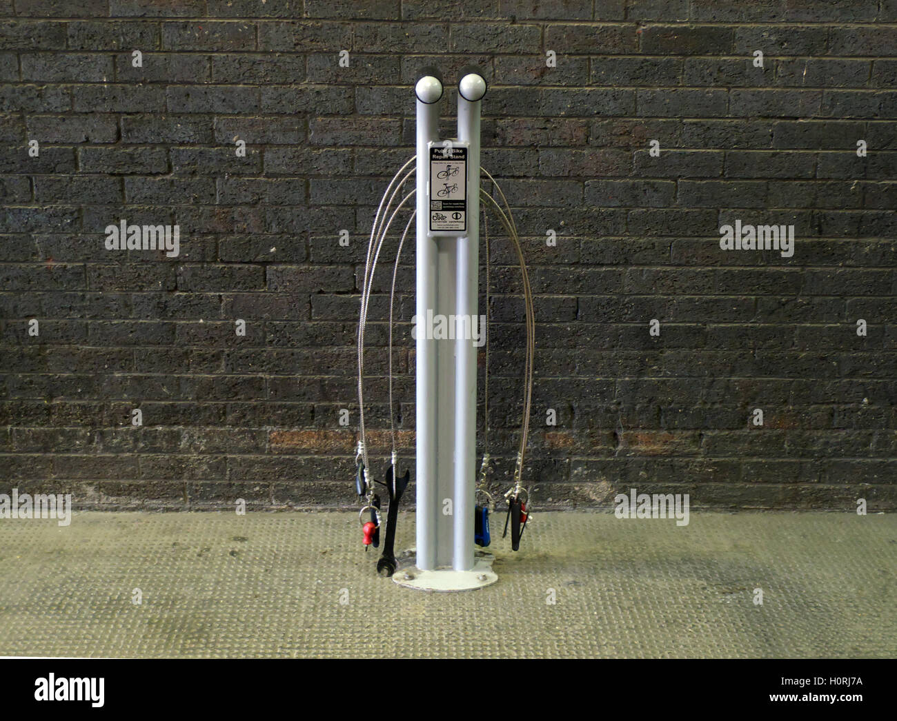 Smarter Ways to Travel (Virgin and Cheshire East Council project). Cycle maintenance tools, Crewe railway station - Stock Image