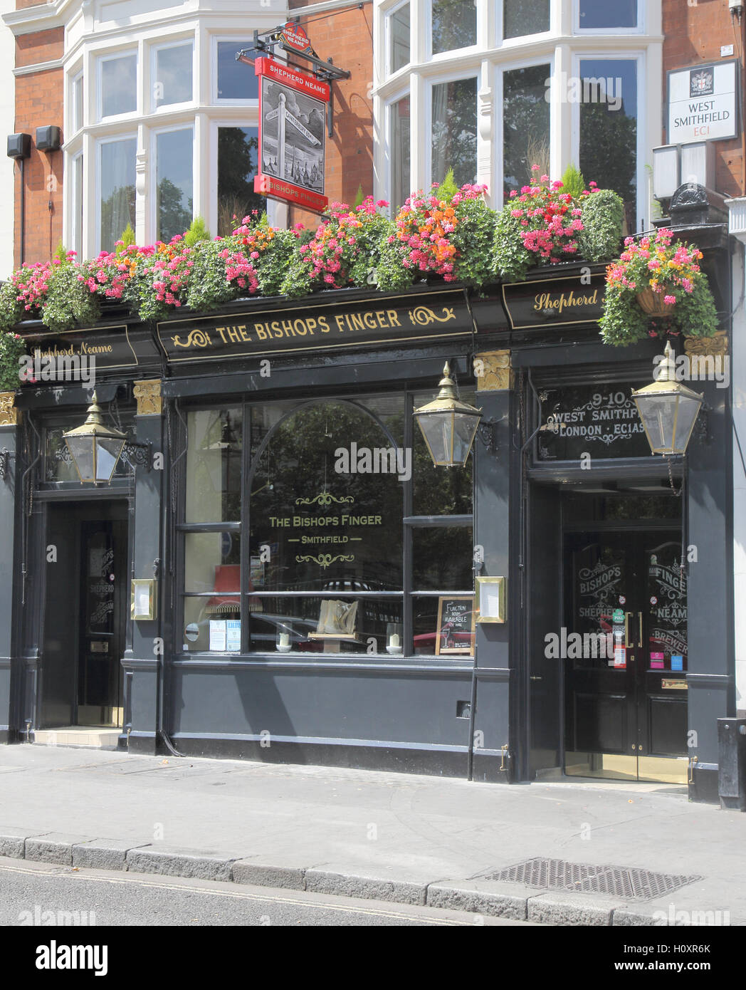 bishops finger pub smithfield london - Stock Image