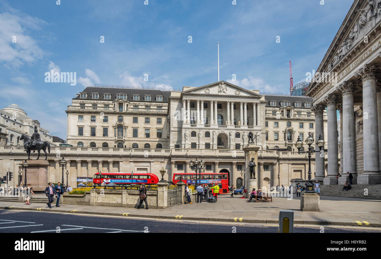 Great Britain, England, City of London, Bank junction with view of the Bank of England and the Royal Exchange - Stock Image