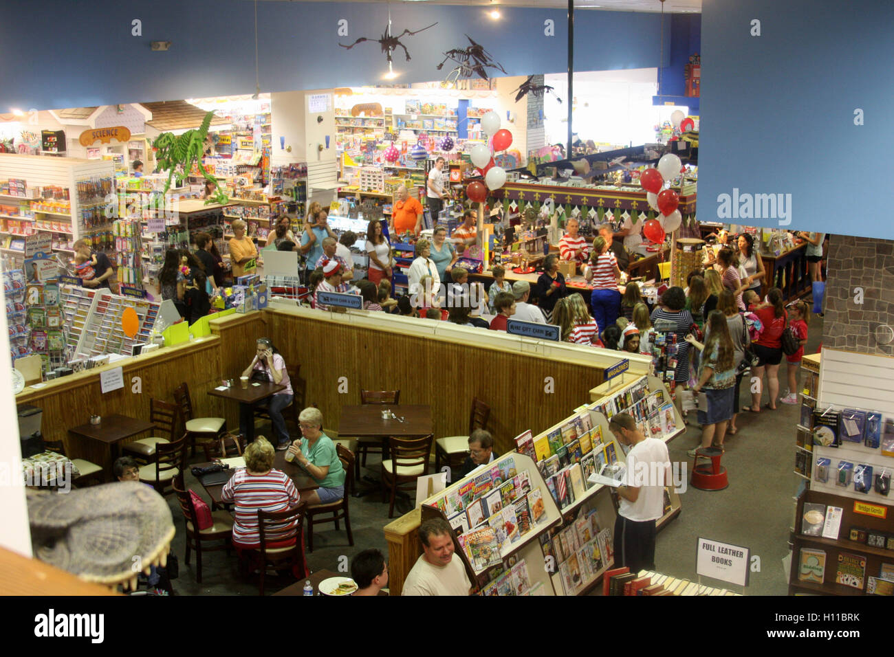 View of interior of Given Books- Little Dickens bookstore in Lynchburg, Virginia - Stock Image