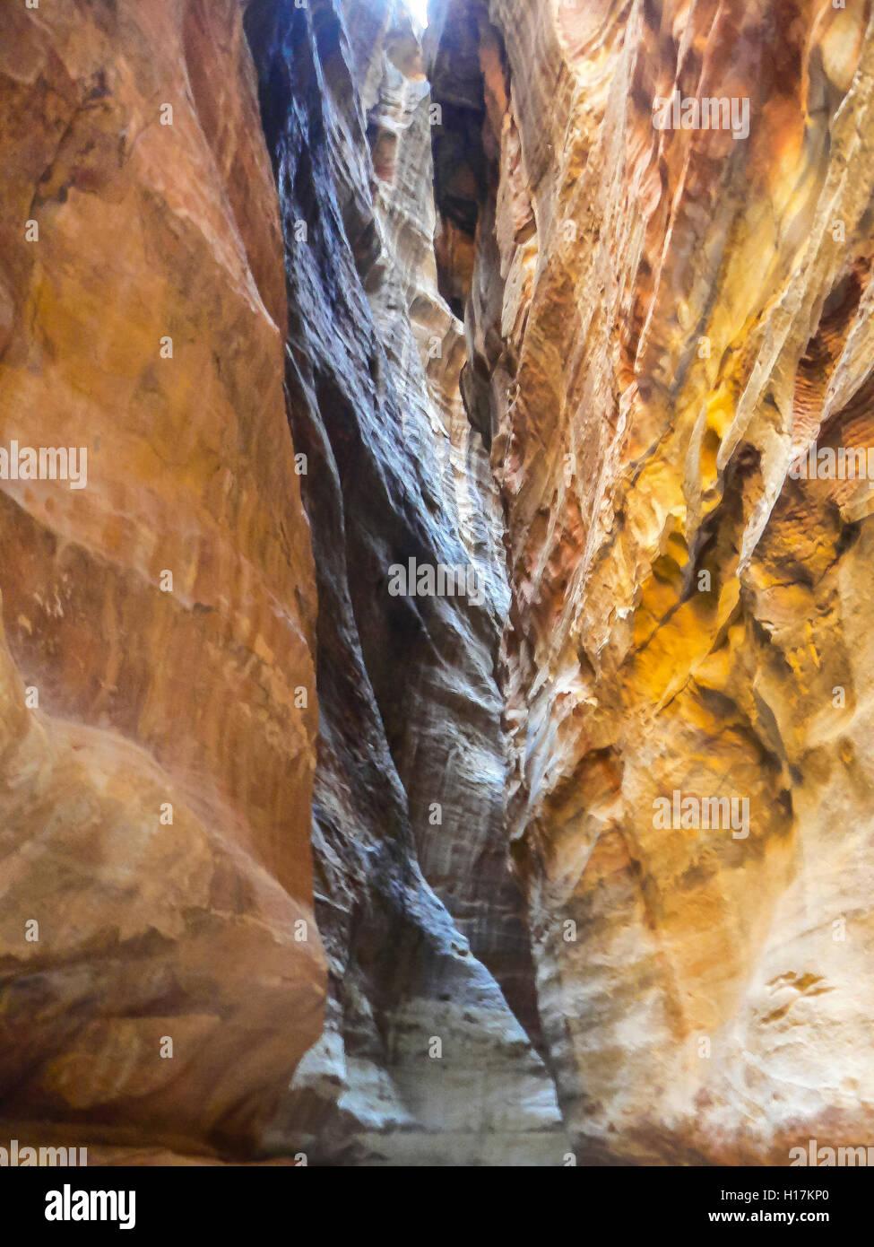 The Siq in Petra, path between rocks, Jordan - Stock Image