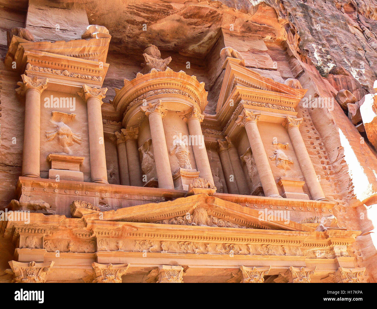 Al Khazneh, treasury at Petra, Jordan Stock Photo