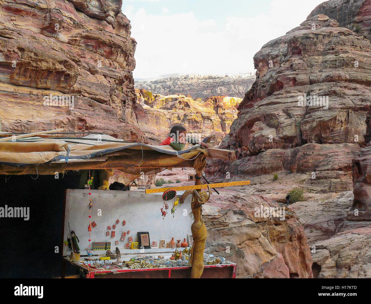 Souvenir stall at Petra, Jordan - Stock Image