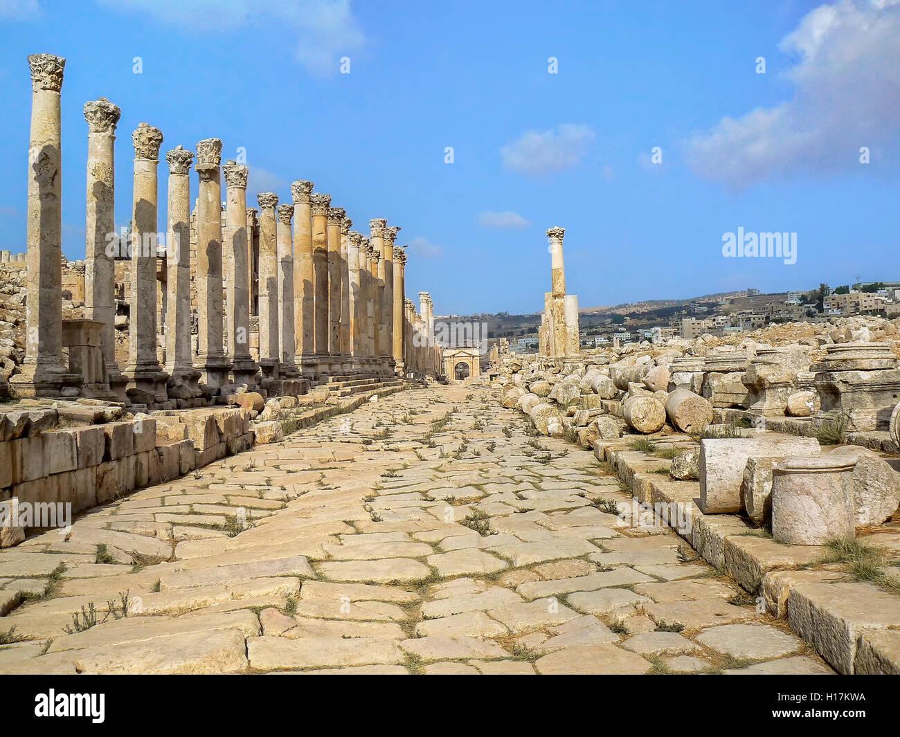 Roman road at Jerash, Jordan - Stock Image