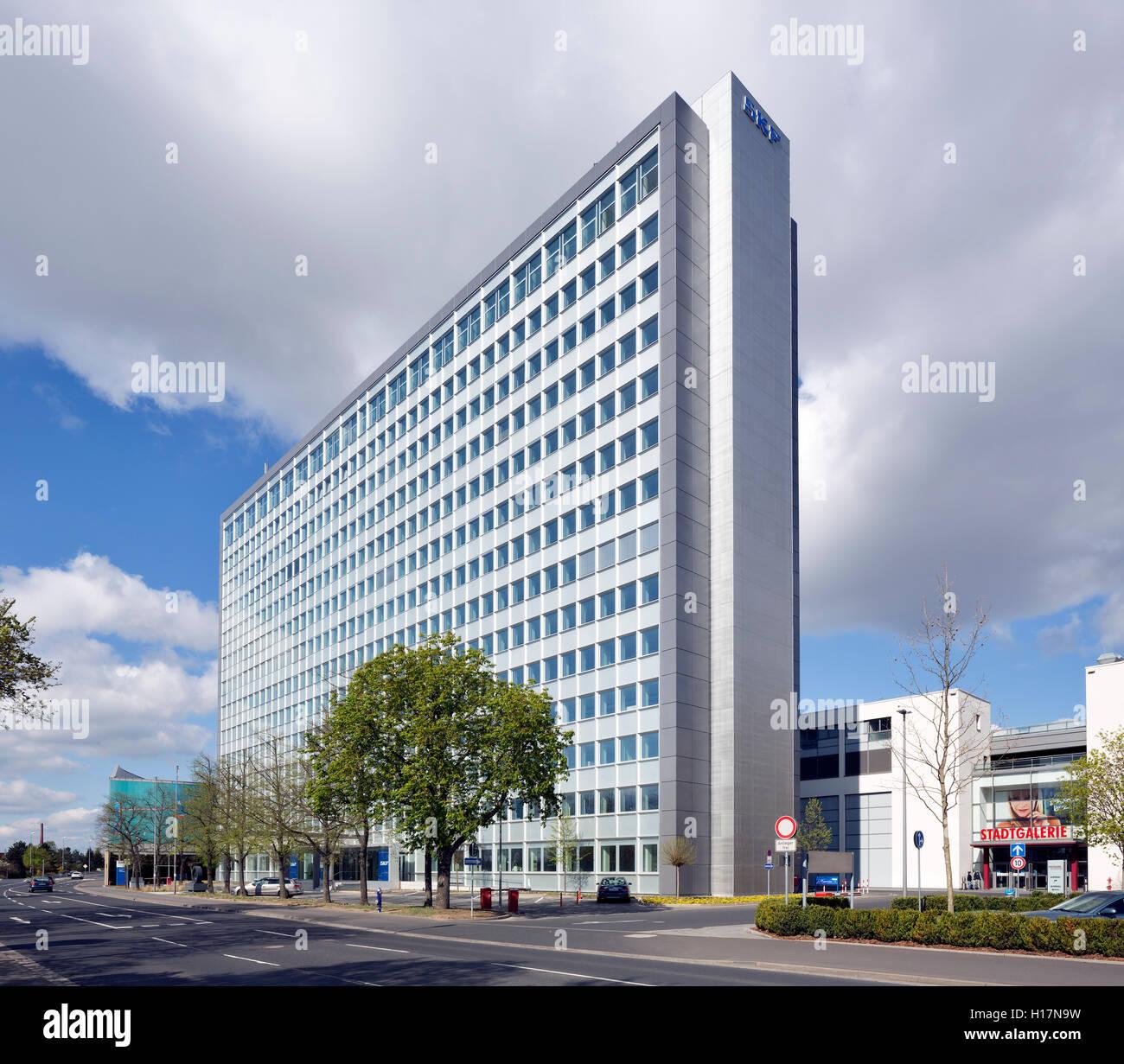 Konzernzentrale des Wälz- und Kugellagerherstellers SKF in Schweinfurt. Auf ehemaligen Produktionsgrundstücken - Stock Image