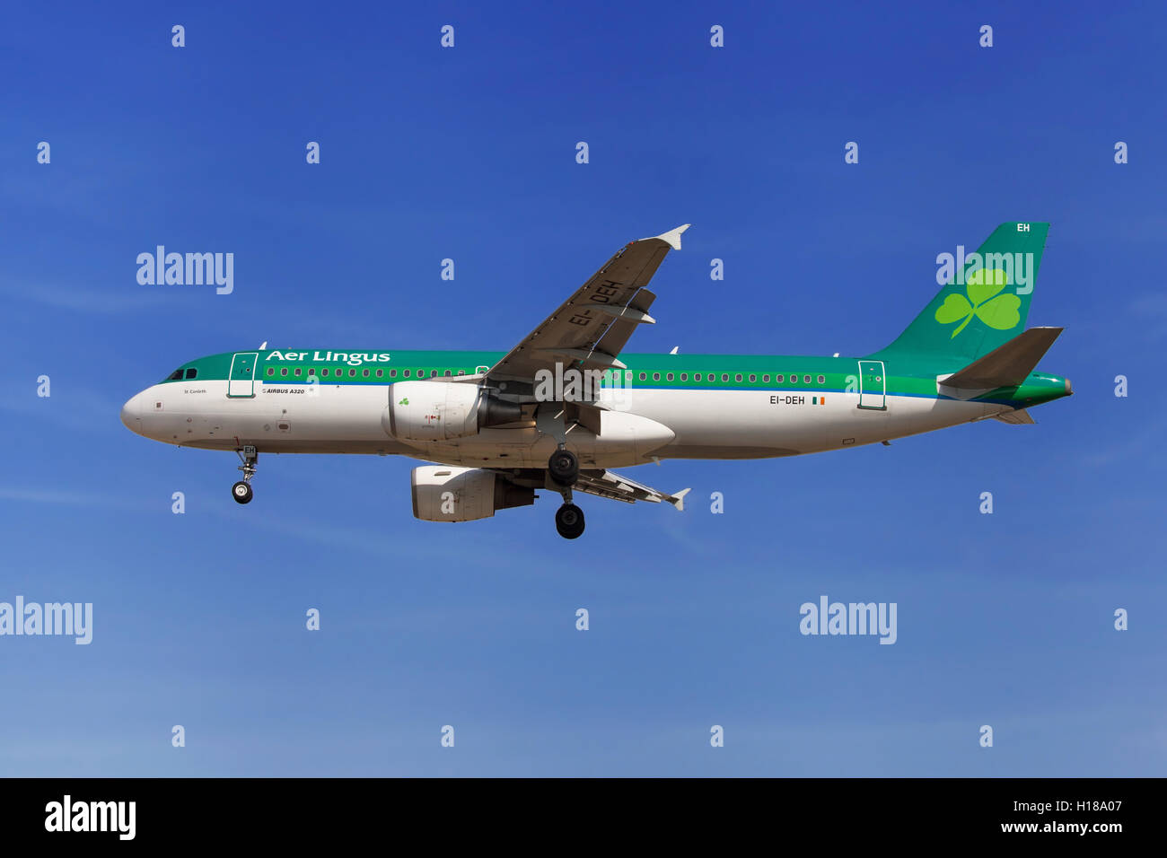 Aer Lingus Airbus A320-200 approaching to El Prat Airport in Barcelona, Spain. - Stock Image