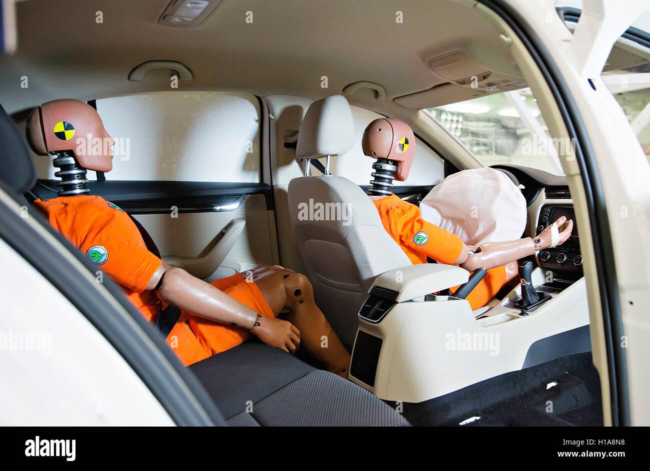 Skoda Auto Sled Test Crash Dummy Oscar Seat Belts Usage Safety