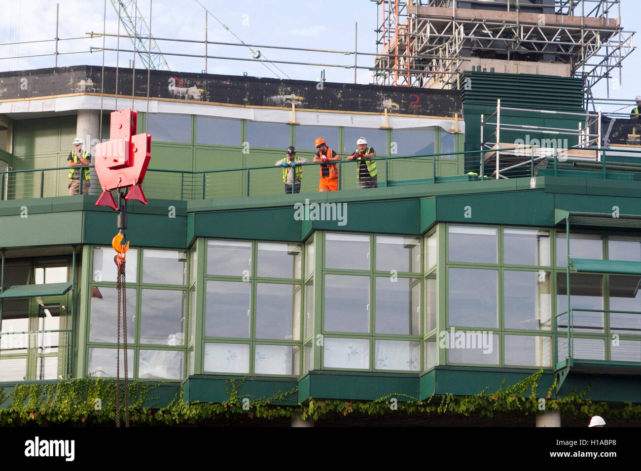 Wimbledon London, UK. 22nd Sep, 2016.  Work has started to install a new retractable weather roof on Court One of Stock Photo