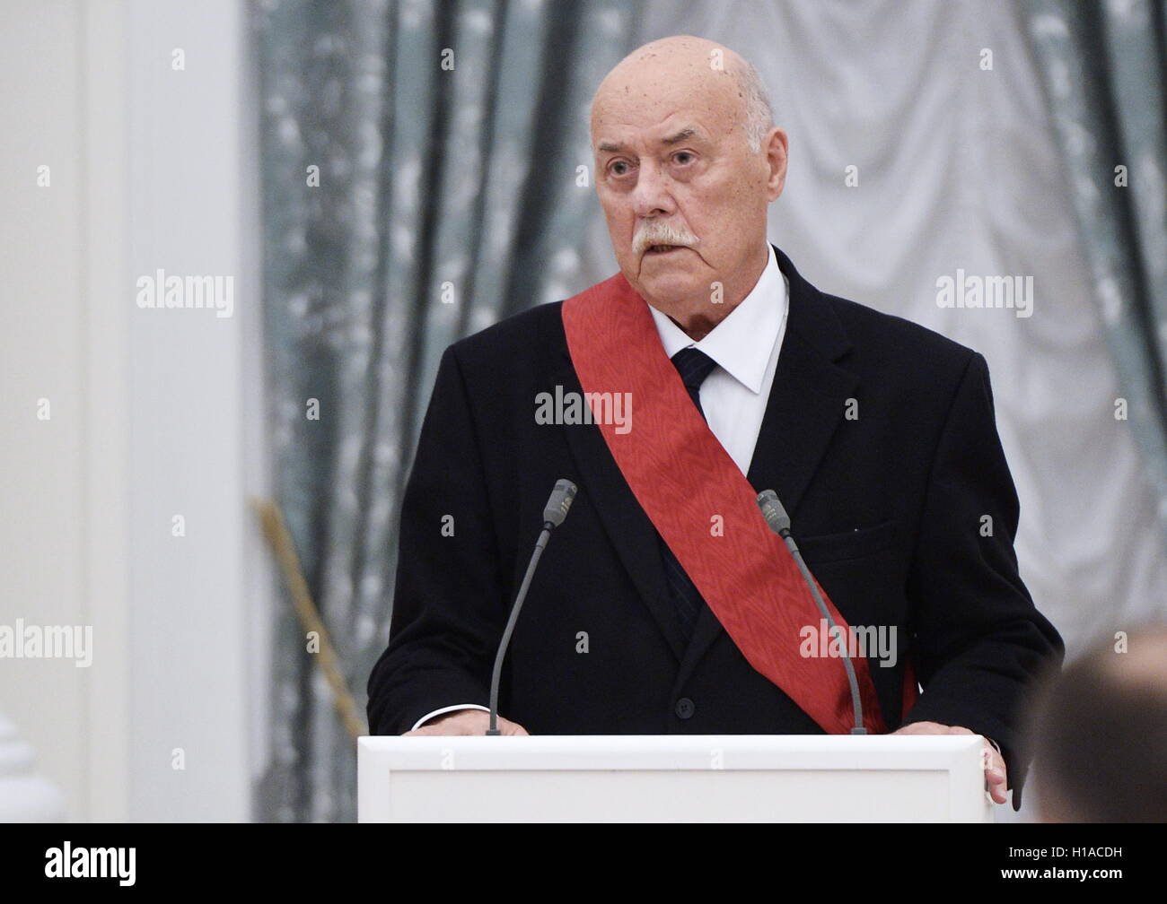 Director Stanislav Govorukhin called the word Russian disgusting 11/17/2016 10