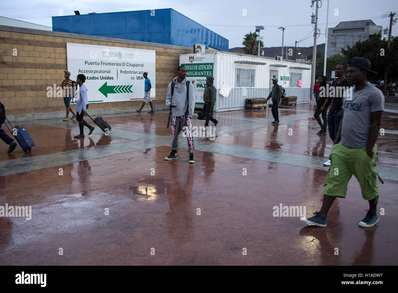 Tijuana, BAJA CALIFORNIA, MEXICO. 20th Sep, 2016. Haitian and African migrants seeking to enter the United States Stock Photo
