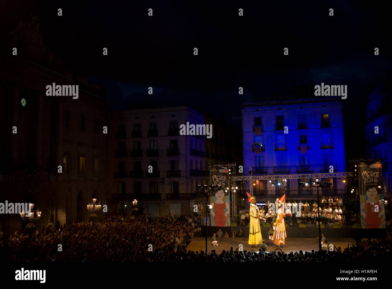 Barcelona, Spain. 22nd September, 2016. Traditional catalan giants (or gegants) dance for the crowd at Barcelona - Stock Image