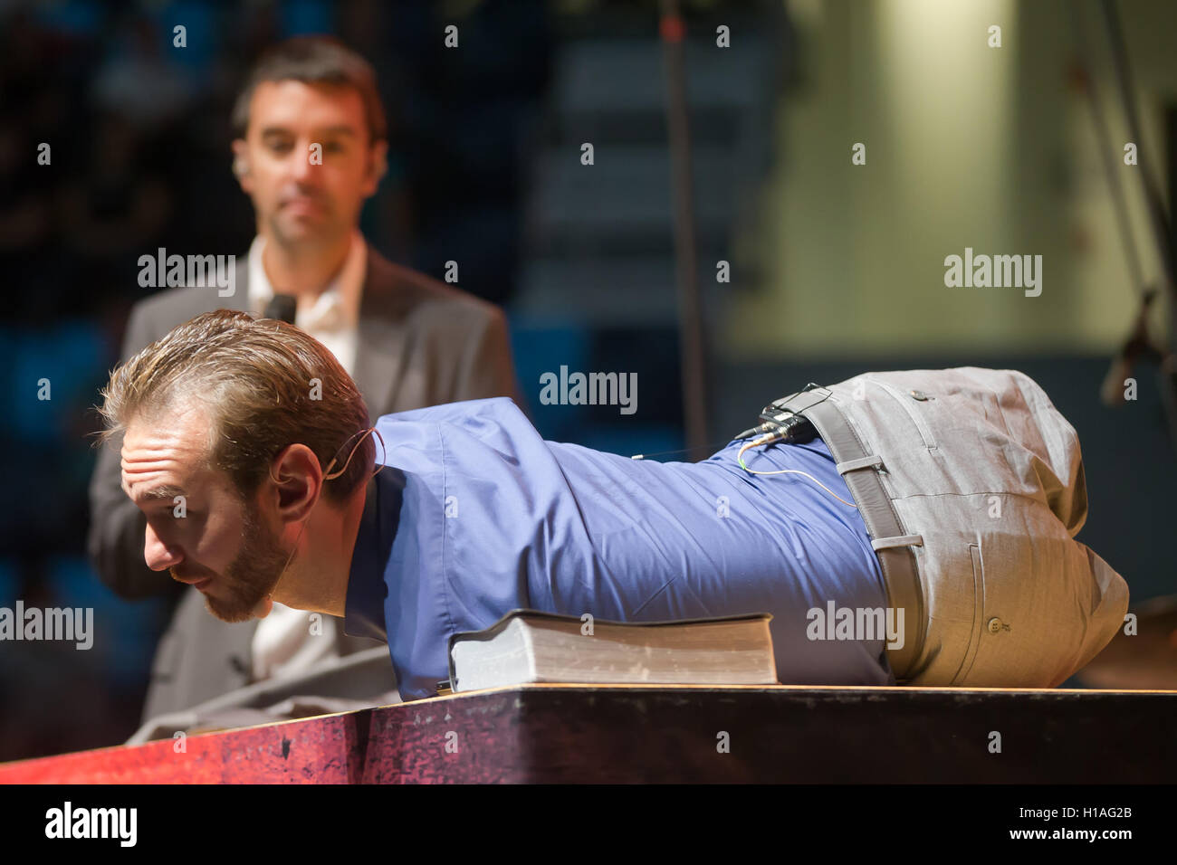 Budapest, Hungary. 22nd Sep, 2016. Australian motivational speaker Nick Vujicic gives a lecture in Budapest, Hungary, Sept. 22, 2016. He was born without legs and arms. Credit:  Attila Volgyi/Xinhua/Alamy Live News Stock Photo