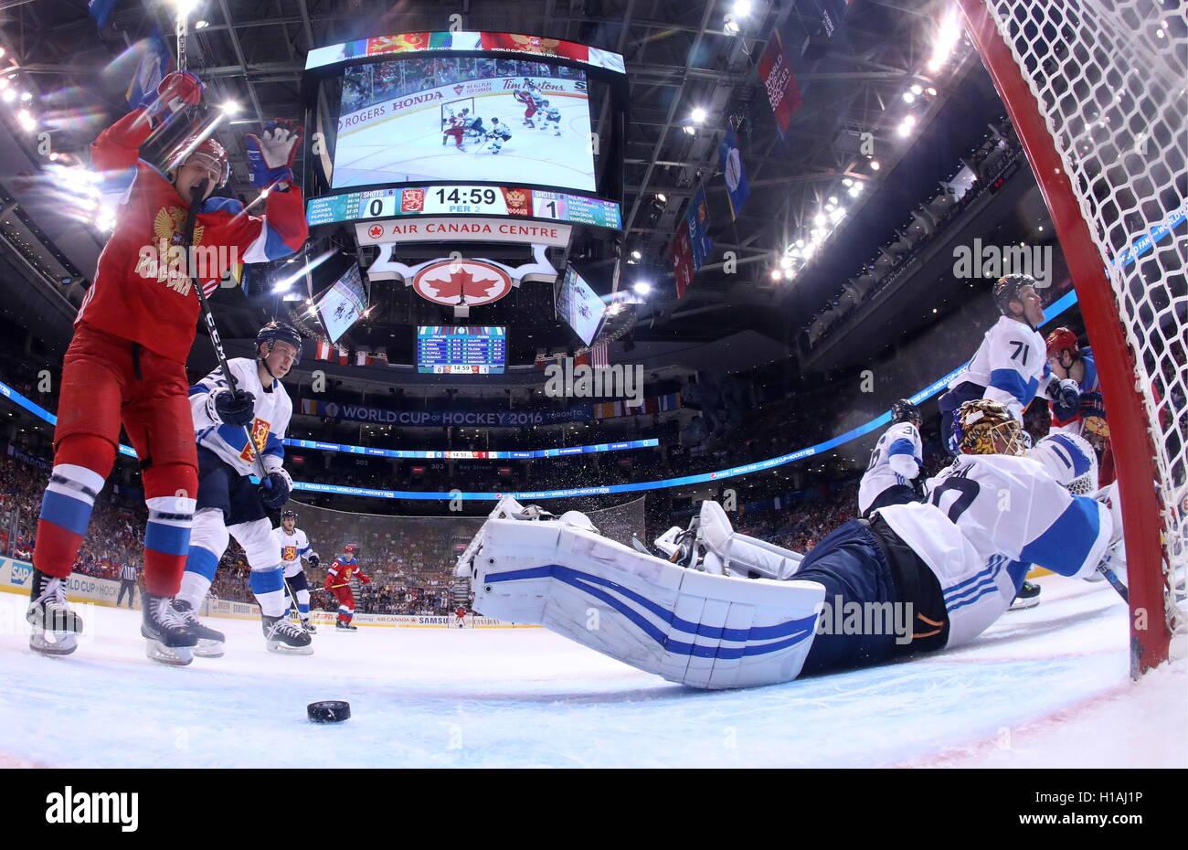 TORONTO, CANADA – SEPTEMBER 22, 2016: Finland's goalie Tuukka Rask (R) concedes a goal in the2016 World Cup - Stock Image