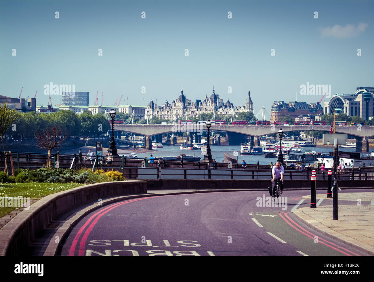 LONDON, UK – MAY 17, 2014: A view of London from the Blackfriars Station area, with the Royal Courts of Justice - Stock Image
