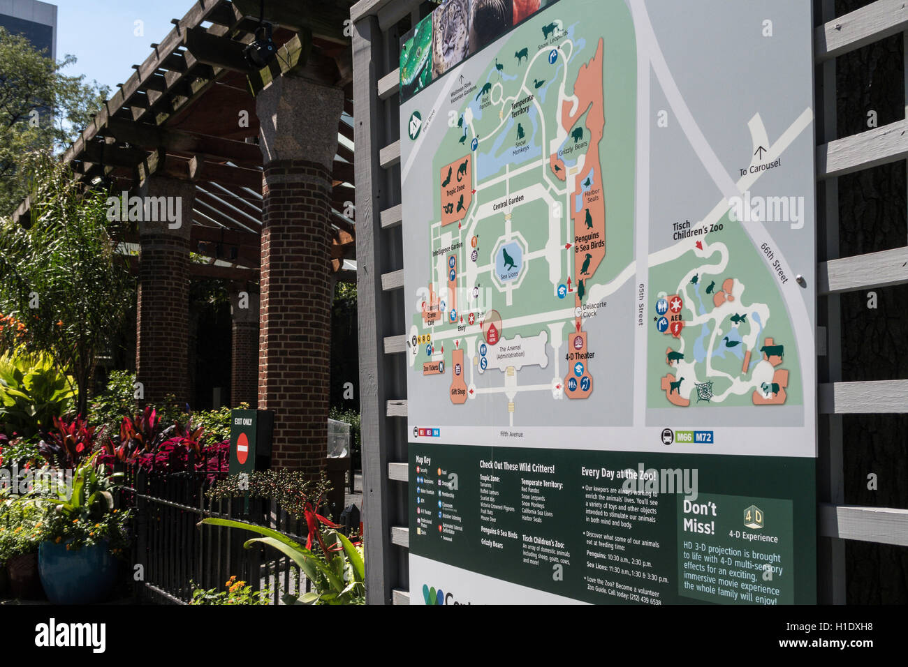 central park zoo map nyc usa stock photo 121393476 alamy. Black Bedroom Furniture Sets. Home Design Ideas