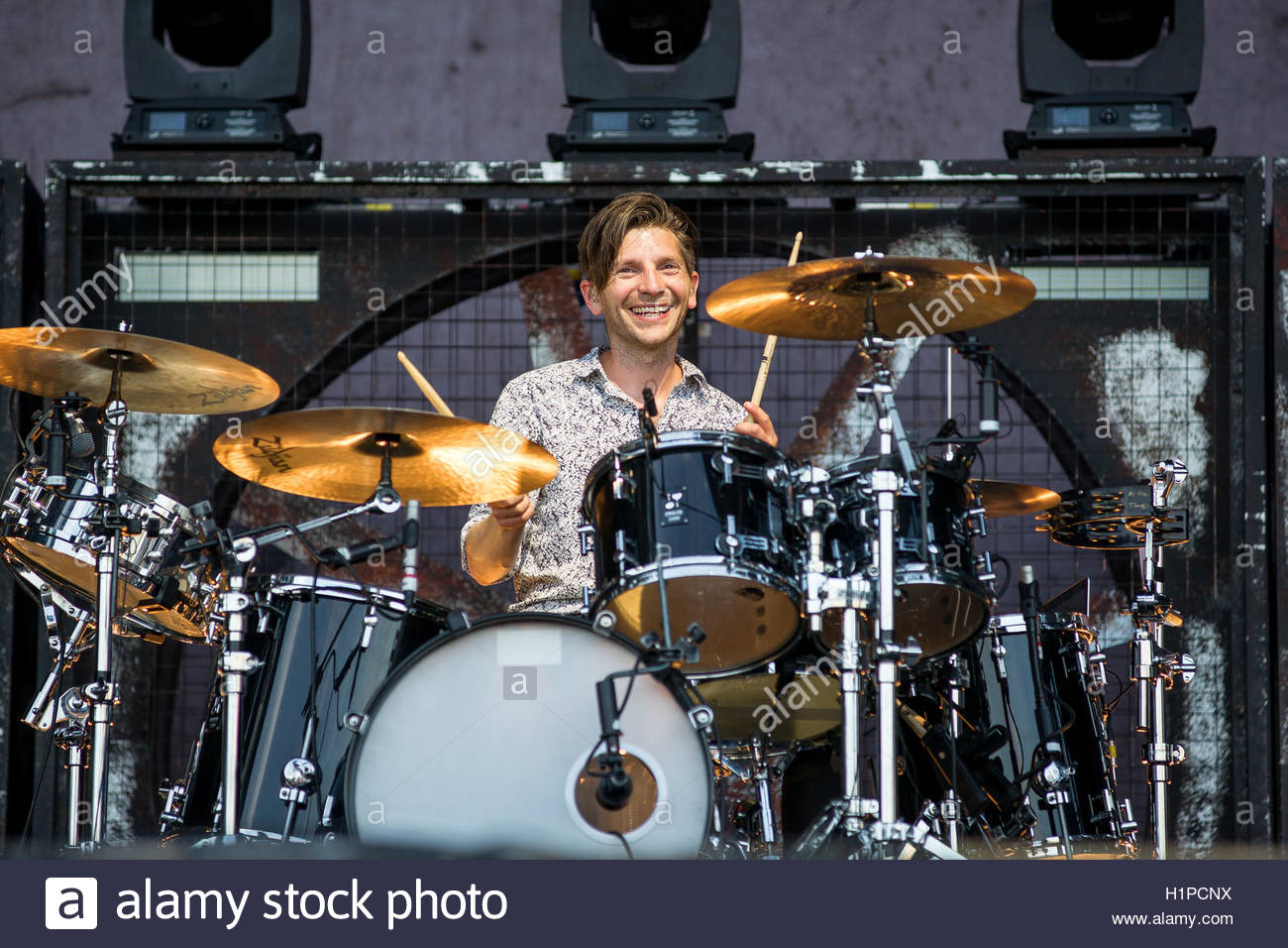 Editors performing live - Ed Lay (drums) - Stock Image