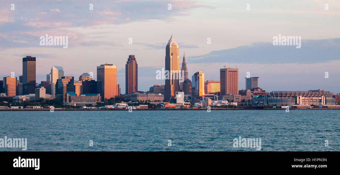 Panoramic view of Cleveland skyline from Lake Erie - Stock Image
