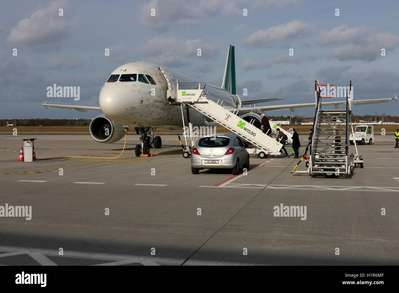Flugzeug, Flughafen Tegel, Berlin. - Stock Image