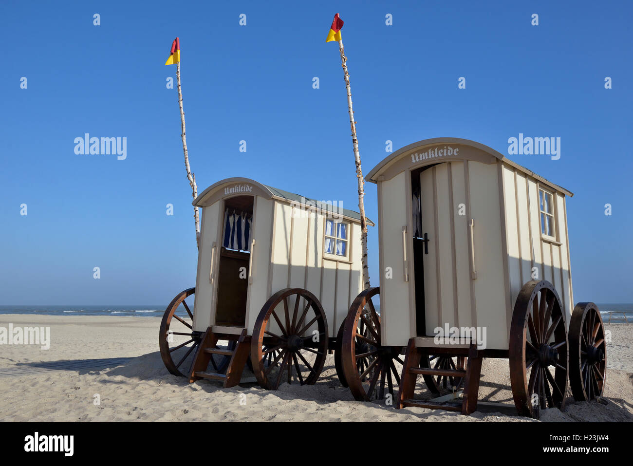 Changing cubicle wagon at Weiße Düne Oststrand beach, Norderney, East Frisian Islands, Lower Saxony, Germany - Stock Image