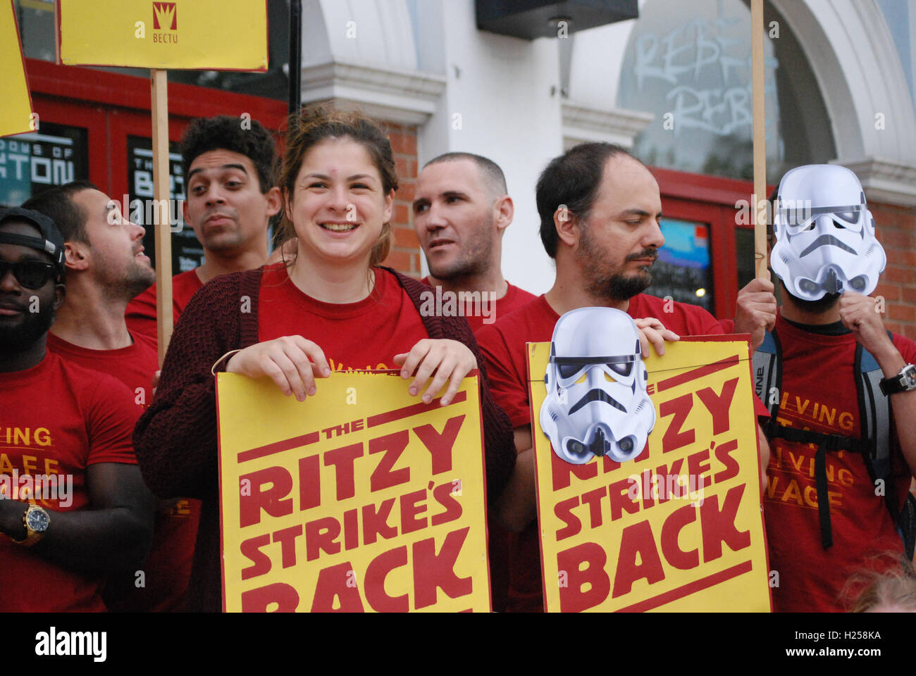 Brixton, London, UK. 24th Sep, 2016. cinema workers of the picture house chain resorting to strike action after - Stock Image