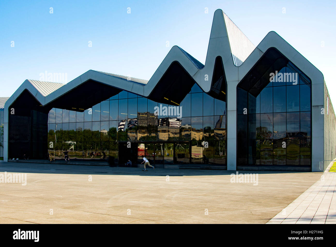 front of glasgow riverside museum glasgow scotland stock photo 121856828 alamy. Black Bedroom Furniture Sets. Home Design Ideas